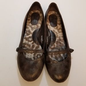 Born brown gold flats size 7.5